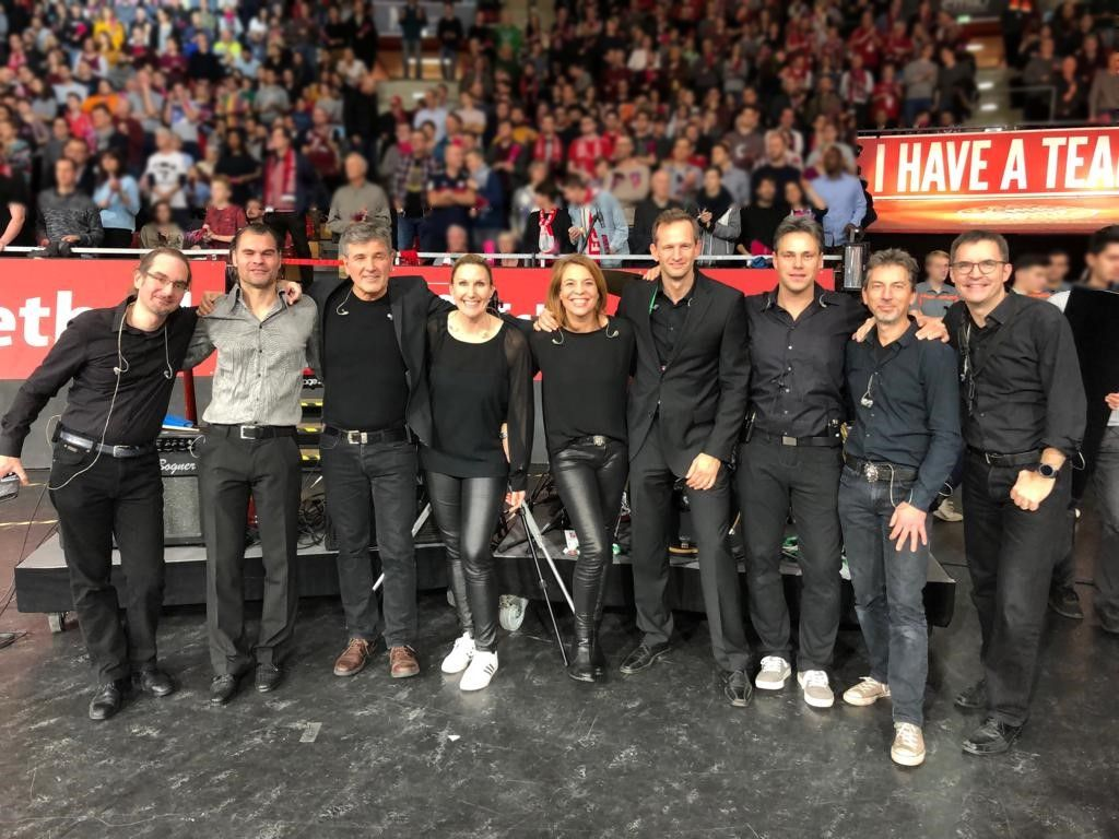 Definitely Soul Musik Live Show Act FC Bayern Basketball FCBB gegen Real Madrid im Audi Dome